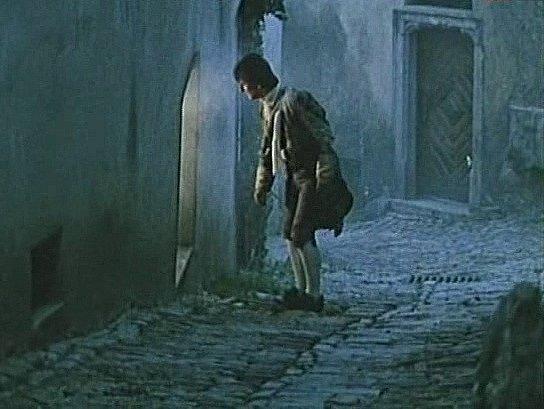 Miro Noga nahlíží do domu v krumlovské Masné ulici.