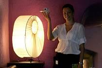 """Během studií vysoké školy si Dominika Červenková vyzkoušela, jaké to je pracovat v jedné z českobudějovických restaurací. Kávu roznášela s gymnastickou elegancí. V úvodu března vyhrála výběrové řízení. """"Stala se ze mě sales specialistka,"""" vypráví."""