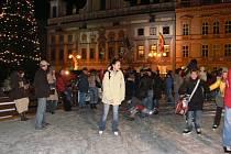 Lidé se zase mohou těšit, že i letos si zabruslí přímo na českobudějovickém náměstí Přemysla Otakara II. Loňská novinka se totiž osvědčila.