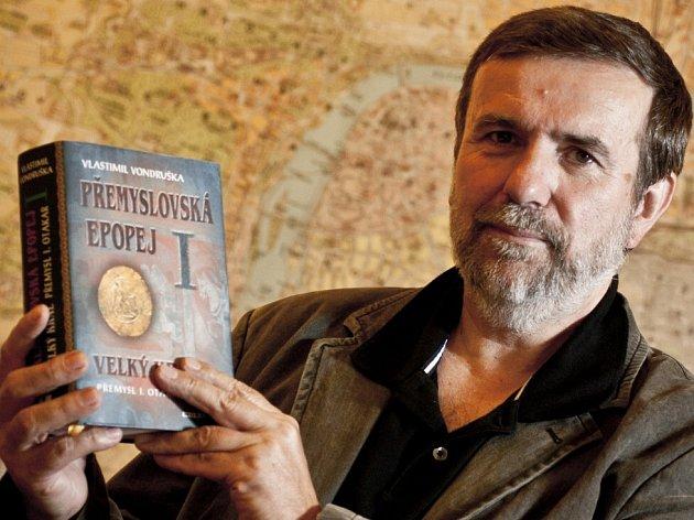 Spisovatel Vlastimil Vondruška pokřtil v Písku román Msta písecké panny.