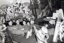 Vojáci US-Army v posteli prince Eugena.