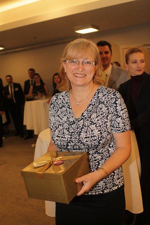 Slavnostní večer k ukončení třetího ročníku projektu Chováme se odpovědně. Na snímku je finanční ředitelka společnosti Würth Elektronik iBE CZ České Budějovice Miroslava Kubíčková.