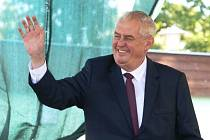 Prezident republiky Miloš Zeman zahájil ve čtvrtek výstavu Země živitelka.