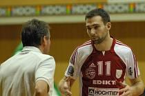 Univerzál českobudějovického Jihostroje skončil v bodování základní části extraligy druhý. V úvodních zápasech semifinále s Kladnem ale se svým výkonem spokojený příliš nebyl.