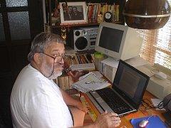Spisovatel Ladislav Beran, žijící v Písku, dostal 20. května cenu Číše Petra Voka. Autor je znám hlavně díky svým krimipříběhům.