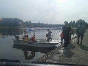 Muž v Týně nad Vltavou skočil z mostu do vody.