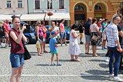 Třídenní dostaveníčko si na jihu Čech dali milovníci aut značky Ford Mustang. V neděli se zastavili na náměstí Přemysla Otakara II. v Českých Budějovicích.