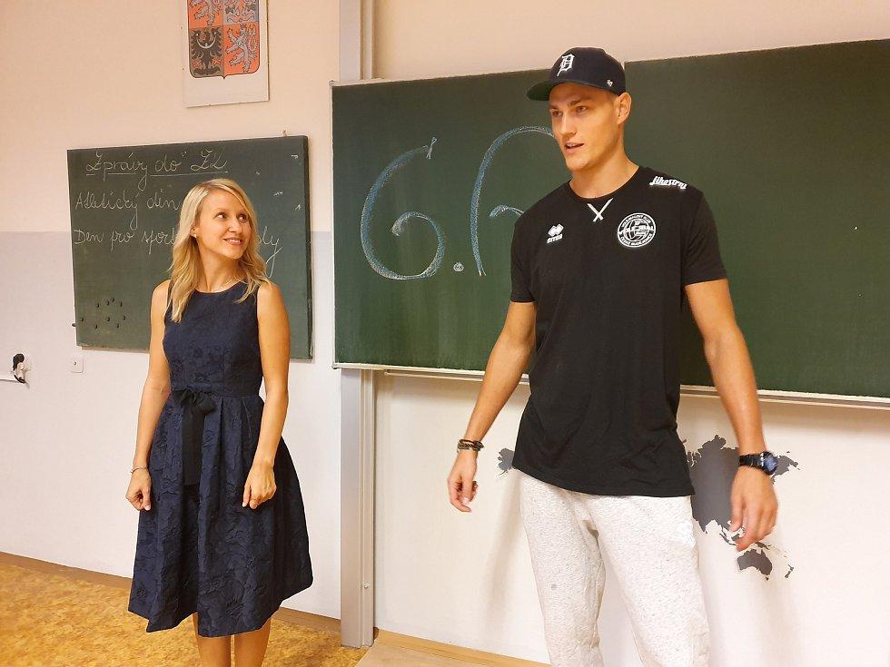 Ondřej Piskáček se vrátil do školní lavice. A přestoupil do Jihostroje, na snímku Marek Zmrhal ve třídě