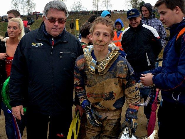 Předseda Off Road klubu Jinín Jan Strach (vlevo) s Petrem Polákem.