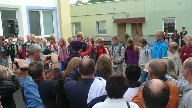 První školní den na ZŠ Oskara Nedbala ve Čtyrech Dvorech.