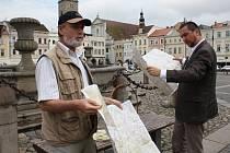 Před Samsonovou kašnou v úterý 19. června pokřtili novou cyklomapu Marcel Goetz a primátor Juraj Thoma.