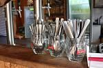 Klasické nádobí a absence plastových obalů, co by znečistily řeku a okolí kempů. Podle Martina Krejčího nejlepší a taktéž jediná možná cesta do budoucna.