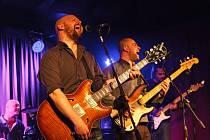 Jazzrocková skupina Oni pokřtí 16. prosince své debutové album v českobudějovickém River Clubu.