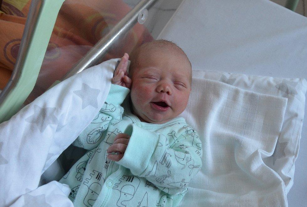 Karolína Hronešová z Vodňan. Dcera Markéty a Daniela Hronešových se narodila 23. 10. 2020 v 8.24 hodin. Při narození vážila 3100 g a měřila 49 cm. Doma ji přivítal bráška Tadeáš (1,5).