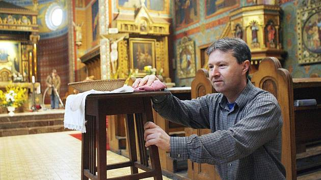 Na návštěvníky se pečlivě připravovali i v kostele Růžencové Panny Marie v Českých Budějovicích.
