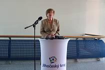 Hejtmanka Ivana Stráská hovořila na tiskové konferenci v pondělí ráno na Krajském úřadě Jihočeského kraje k současné situaci šířícího se koronaviru.