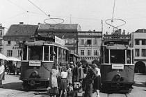 Doba kolejí skončila kvůli tomu, že v roce 1950 by bylo třeba vynaložit značné investice do obnovy provozu tramvají.