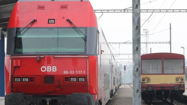 Železnice je jinde oblíbenější.
