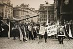 Písecká Sladovna připomíná výstavou Invaze ve fotografii - Srpen 1968 ruskou okupaci, od níž v neděli 21. srpna uplyne 43 let.