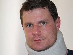 Jihočeského herce Ondřeje Veselého napadli násilníci, kterým se nelíbilo, že nefandí hokejové Spartě.