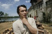 Stejně jako v předchozích filmech  obsadil do jedné z předních rolí Bohdan Sláma Pavla Lišku.