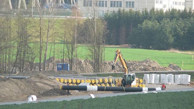 Pro společnost ČEZ se nyní staví od temelínské jaderné elektrárny horkovod do Českých Budějovic.