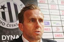 Mimořádné tiskovky Dynama se zúčastnil i šéf klubu Karel Poborský.
