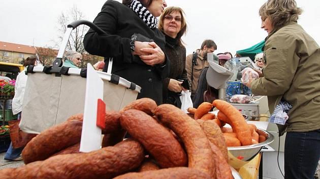 Trhy na náplavce v Českých Budějovicích.