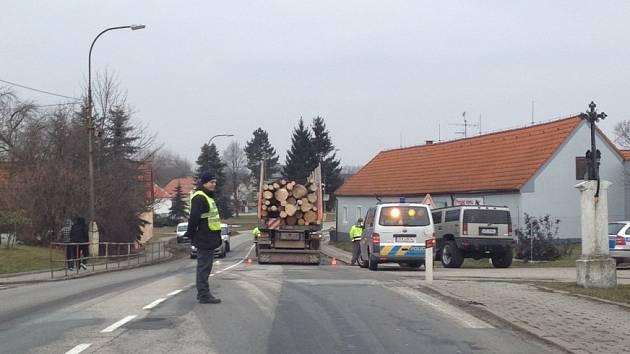 Místo dopravní nehody v Češnovicích.