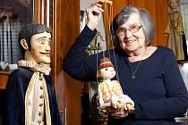 Jaroslava Žátková, která působila skoro 30 let v Malém divadle a vytvořila stovky loutek, oslavila 24. dubna 80. narozeniny.