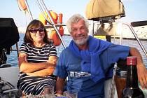 Dana Kleštincová a František Sýkora pár mil před koncem své tříleté plavby kolem světa.