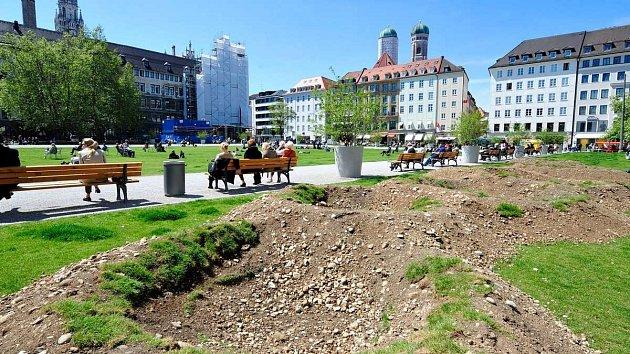 Zemní dílo má připomínat Verdun.