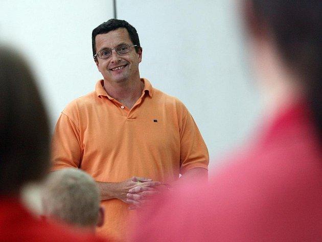 Michal Viewegh přečetl ve čtvrtek studentům na Jihočeské univerzitě jednu povídku o lásce.