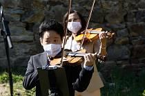 Jihočeská filharmonie natáčela na hradě Dívčí Kámen. Muzikanti zde hráli Vivaldiho.