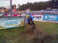 Čeští reprezentanti si zkouší trať v Zolderu při dnešním officiálním tréninku