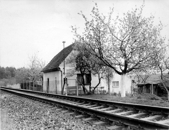 Bývalý strážník domek koněspřežky vobci Kamenný Újezd, snímek z50. let 20.století.