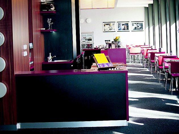 Kino – kavárna LUNA 46