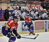Motor hostil hokejisty z Kladna, se kterými přijel do Českých Budějovic i Jaromír Jágr.