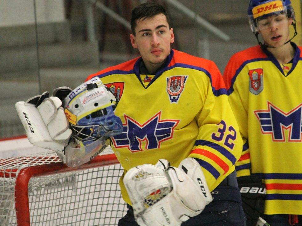 Talentovaný brankář Jiří Patera si v dresu Motoru vybojoval účast na MS hráčů do 18 let, kde si připsal tři starty.
