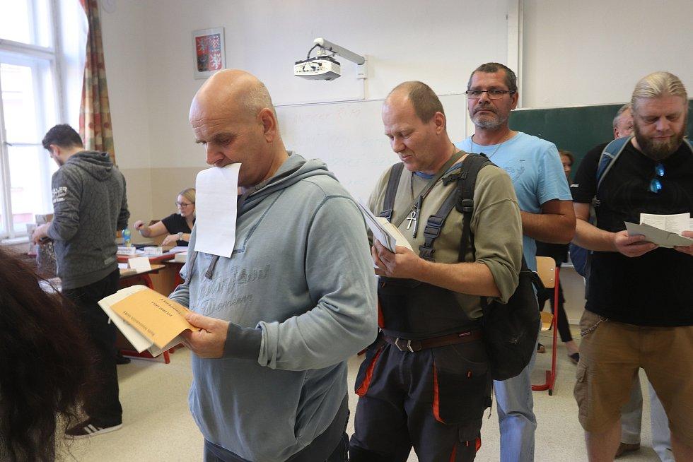 Volby 17,volební místnost číslo1,České Budějovice,Česká ulice