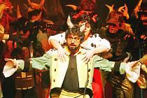 Jihočeské divadlo uvede v pátek premiéru opery Čert a Káča v budějovickém Domě kultury Metropol. Na zdejší jeviště se titul vrací po 12 letech.