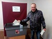 Hlinsko u Rudolfova - Do volební místnosti okrsku 3 přišlo v pátek z asi 140 obyvatel Hlinska volit asi 35 procent občanů.