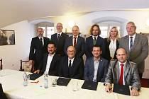 Koaliční smlouva v Českých Budějovicích je podepsaná.