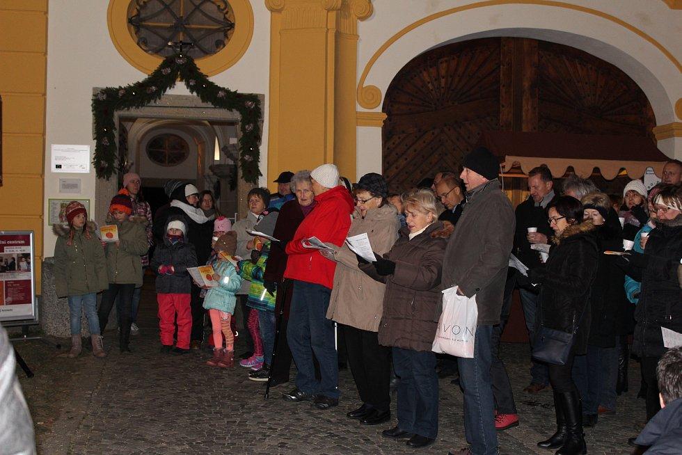 Česko zpívá koledy 2019 v Borovanech.
