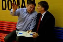 MANAŽER A TRENÉR. Eduard Gaisler (vlevo) spolu s trenérem Strakonic Ivanem Benešem.