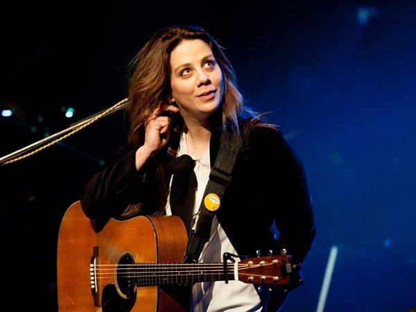 Aneta Langerová při vystoupení vprachatickém divadle. Koncert zahájil turné knovému albu Na Radosti.