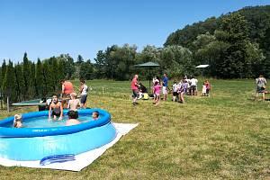 Děti i rodiče vítaly prázdniny v Údolí.