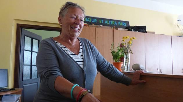 Helena Žípková (na snímku) darovala do Kabelkového veletrhu Deníku bižuterii.