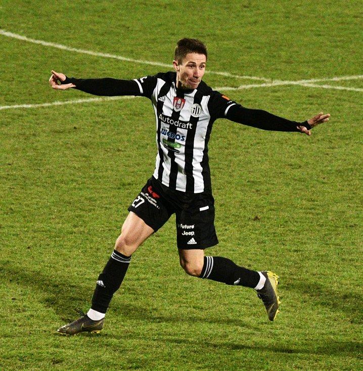 Matej Mršić v zápase s Libercem vstřelil vítězný gól Dynama.