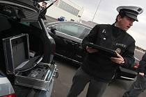 Hned dva řidiči se o svátcích postarali o uzavření úseků nové dálnice D3 u Tábora.